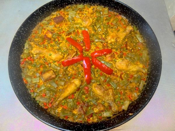 La paella aux 2 viandes avec paellas de José